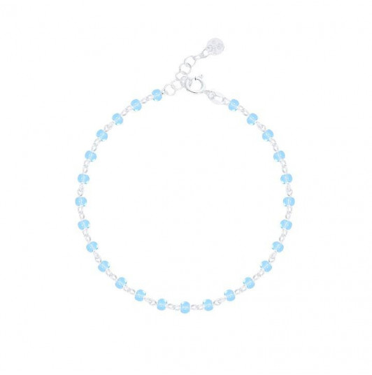 Chain bracelet with light blue beads