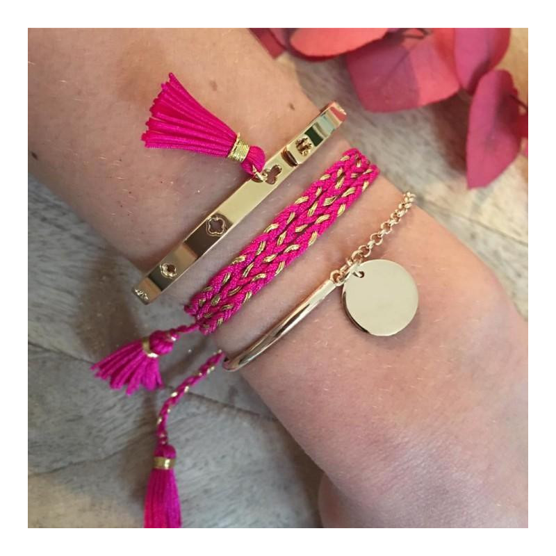 Lock bangle with pompom