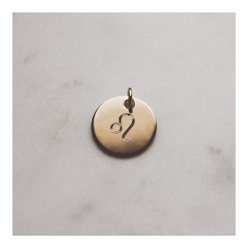 Large flat gold-plated medal engraved with your astrological sign
