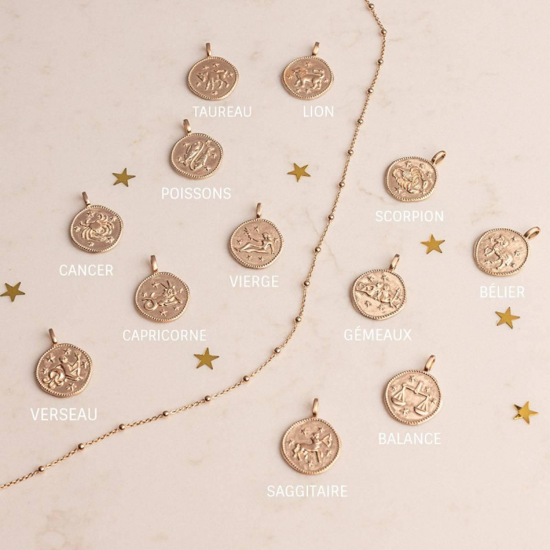 Gold-plated chain necklace with astrological medal