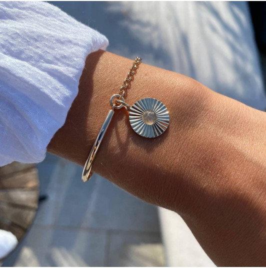 Half bangle and chain bracelet with striated labradorite medal
