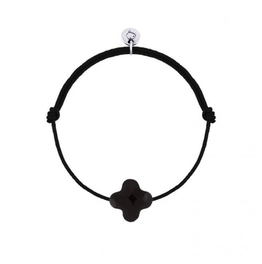 Tie bracelet with black agate clover