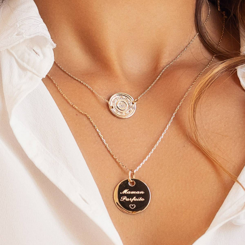 Gold-plated large flat medal chain necklace