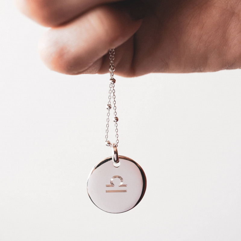 Curved 925 silver medal necklace engraved with your astrological sign