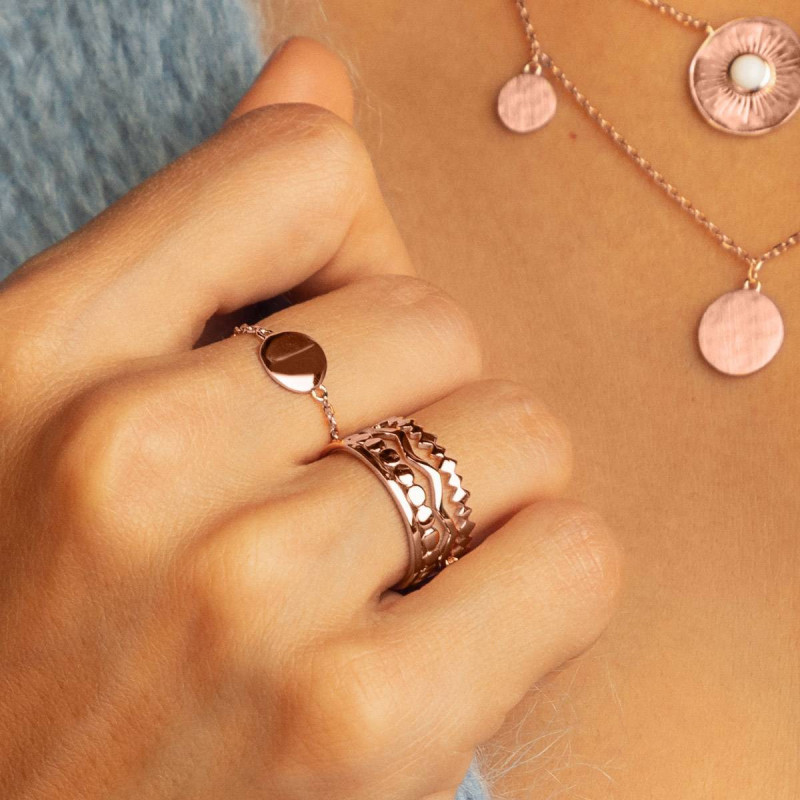Rose gold-plated medal chain ring