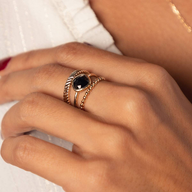 Gold-plated striated ring